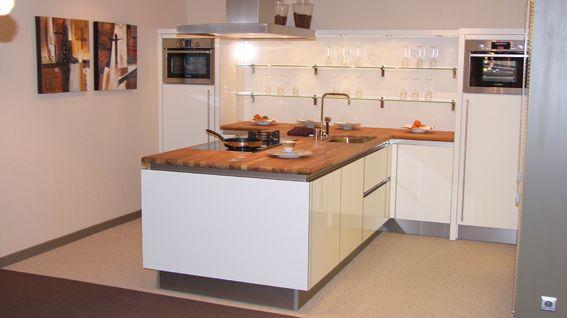 Hoogglans Keuken Met Houten Elementen : ... keukenwinkel van Nederland ...