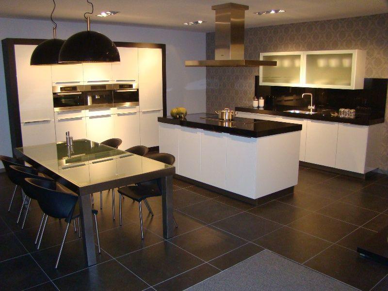 De grootste en voordeligste keukenwinkel van nederland luxe eiland keuken - Eiland in de kleine keuken ...