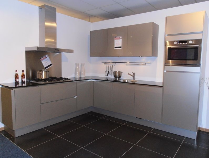 ... keukenwinkel van Nederland : Greeploze hoogglans hoekkeuken [45701