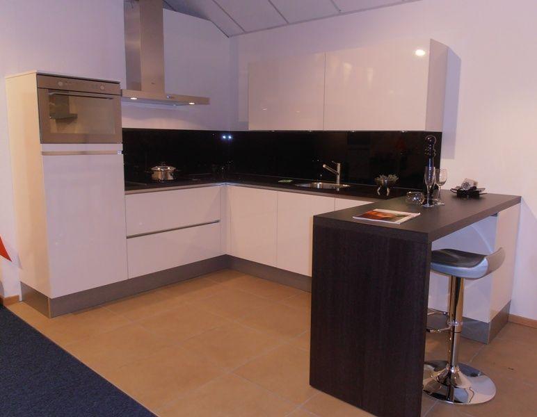 ... keukenwinkel van Nederland  Greeploze witte hoogglans keuken [50669