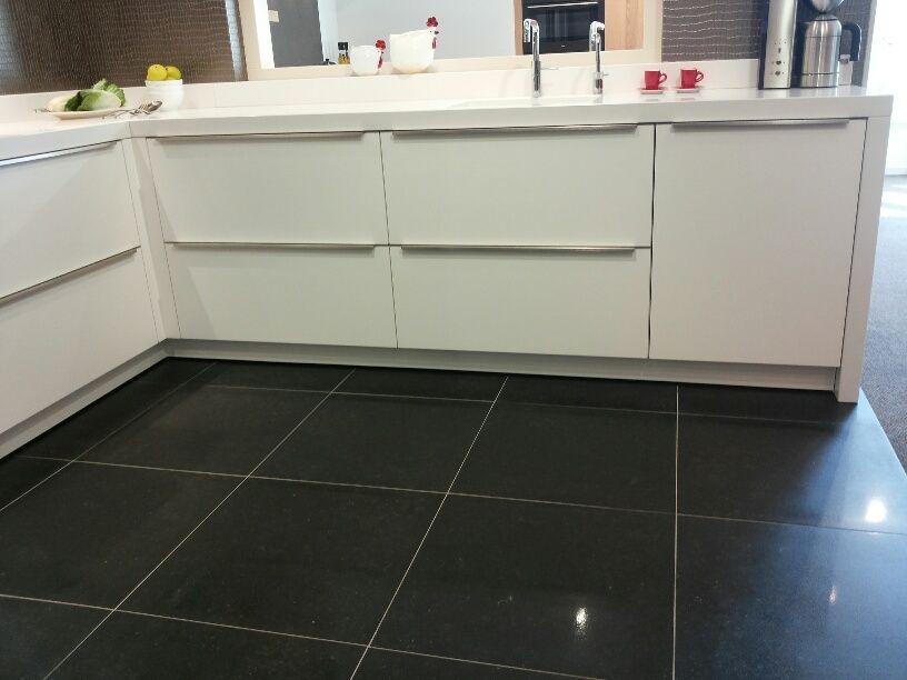 De grootste en voordeligste keukenwinkel van nederland moderne hoekkeuken - Modern keukenmodel ...