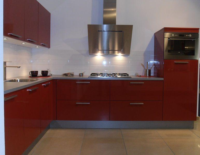 De grootste en voordeligste keukenwinkel van nederland design keuken in - Keuken in rood en wit ...